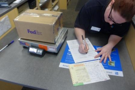 http://www.k3lp.com/ET3AA_Photos_web5_FedexShipping/Licenses_Sarah_FedEx_01.JPG