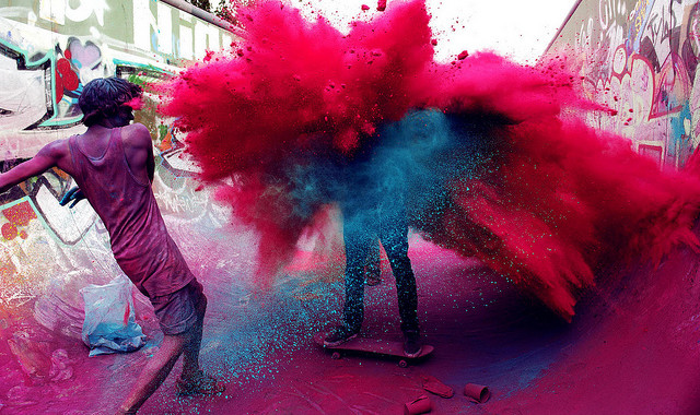 http://valentinedaywishes.in/happy-holi-images-wallpapers-and-photos/.html