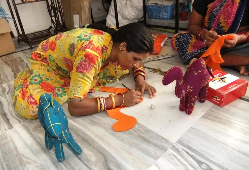5 best marketplaces to sell handmade items in india for Best way to sell paintings online
