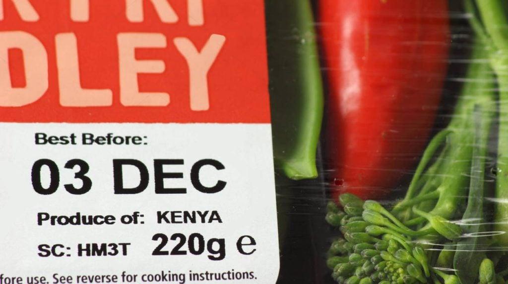 http://c8.alamy.com/comp/F7G901/best-before-label-on-packaging-of-a-stir-fry-medley-of-kenyan-vegetables-F7G901.jpg