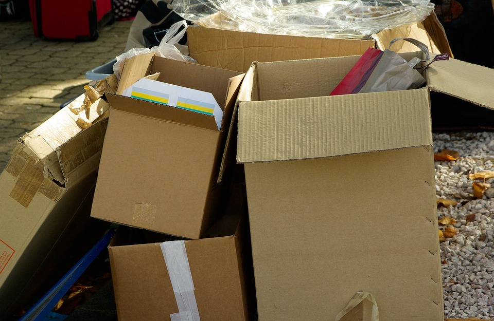 http://maxpixel.freegreatpicture.com/Packaging-Package-Cartons-970950